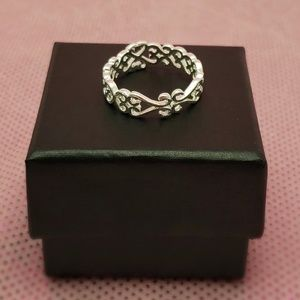 Silver plated open size women's ring.